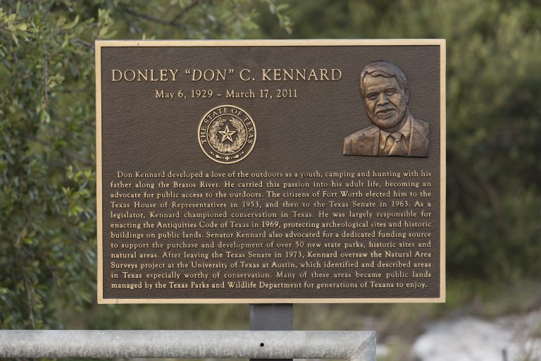 Don Kennard plaque at Devil's Sinkhole.